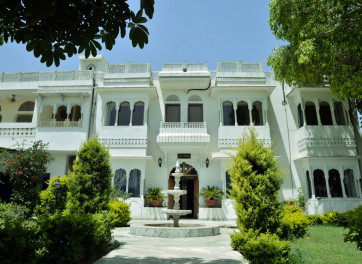 Chomu Bagh Hotel